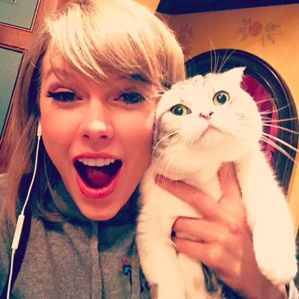 Taylor Swift and her cat Meredith